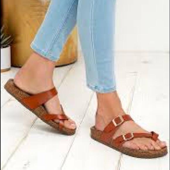d78a7052cf4e8 Madden Girl Brycee Cognac sandals Sz 6 NWT